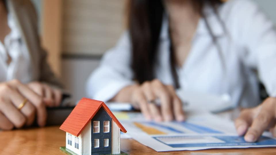 Cómo Incluir la Venta de una Vivienda en la Declaración de la Renta